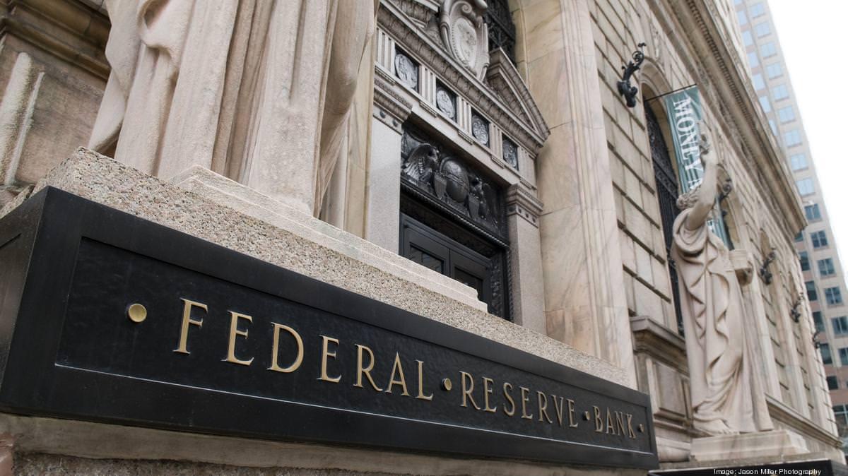 Федеральный резерв борется за экономику США