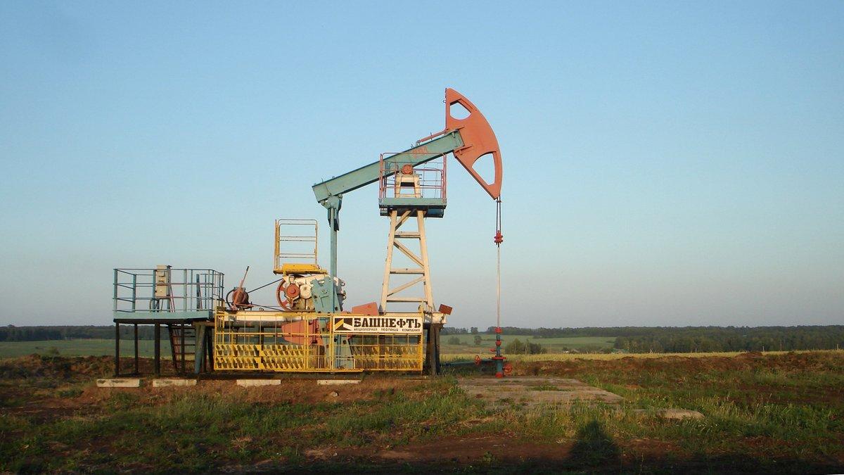 Цены на нефть падают на фоне опасений об экономическом спаде в связи с ростом случаев Covid-19